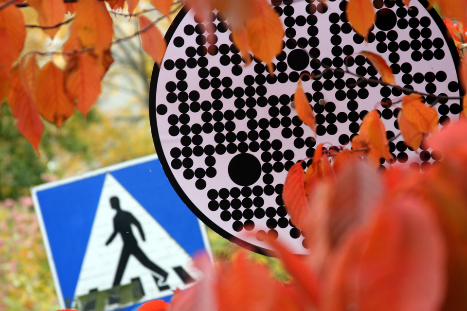 road-signs-for-robot-cars-1