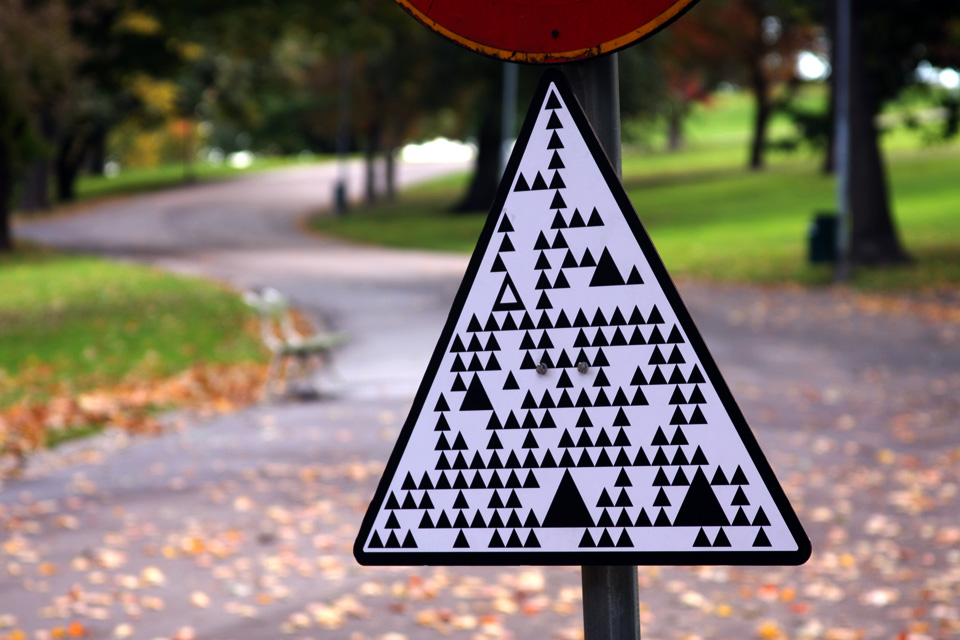road-signs-for-robot-cars-9