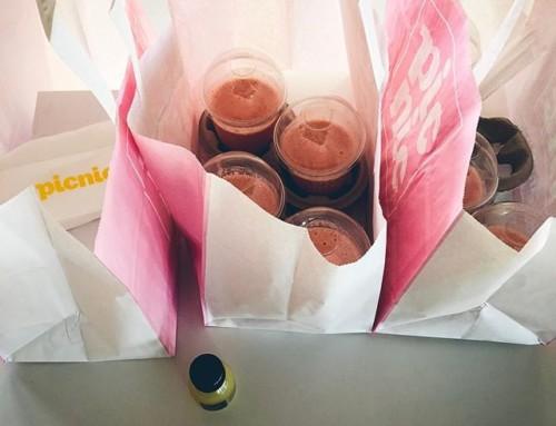 Tamperelaisia tulossa kylään. Niillä on aina nälkä, joten pitää ruokkia heti aamusta, että jaksavat. @finnpark @vincit_ltd ps. Toi pikku shotti on Samille R:lle, koska sillä on enemmän nälkä. Pss. Olisin käynyt @hesburgerfin mutta ne on keskustassa aina aamuisin kiinni…